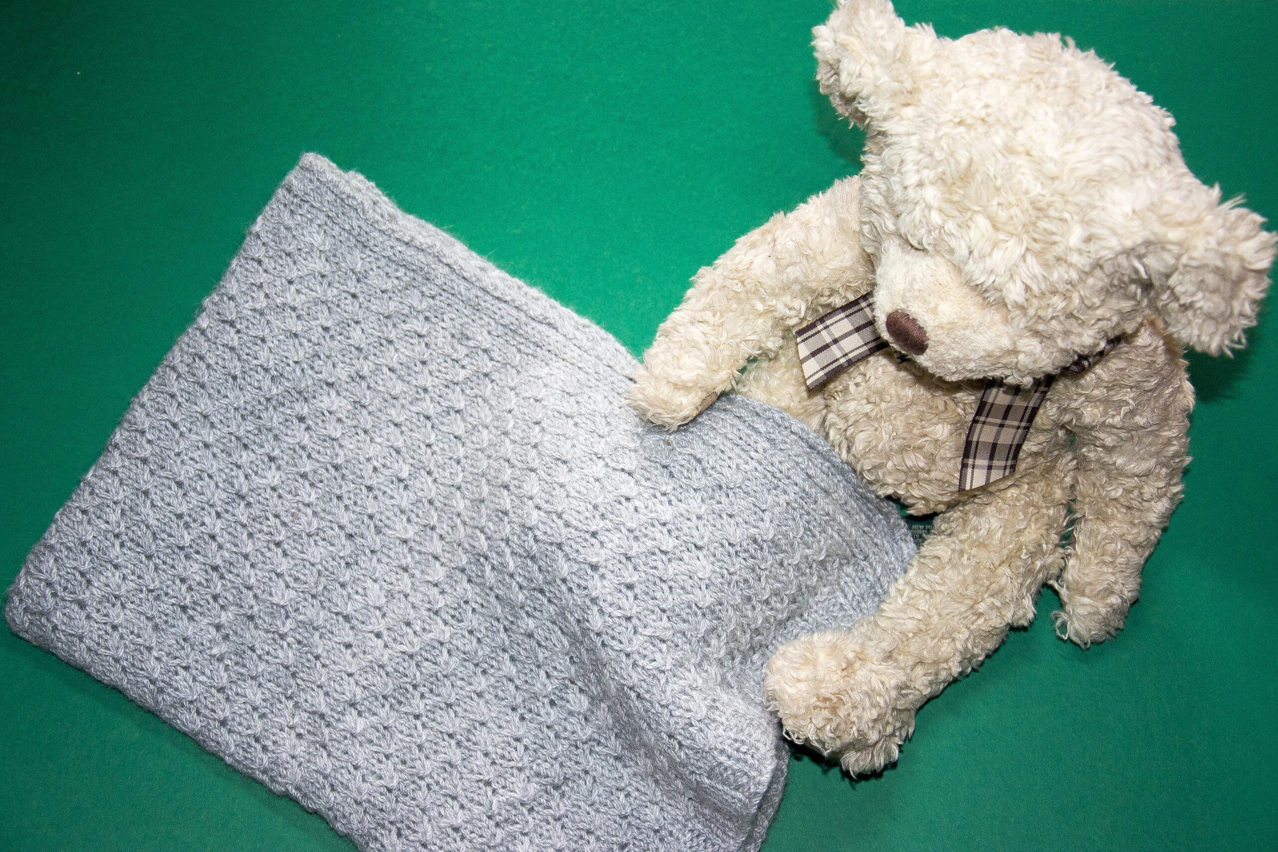 Ashtonelle Alpacas, handknitted baby blanket